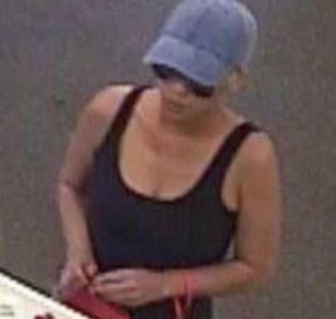 女子一周内连抢4家银行,美国警方束手无策,悬赏1万美元捉拿