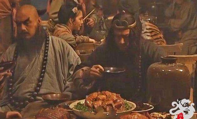 水浒好汉去饭店要二斤牛肉,一个人吃得下二斤牛肉吗?