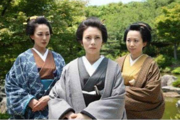 日本幕府时代,将军妻妾超过30就不再待寝,声称合理利用资源
