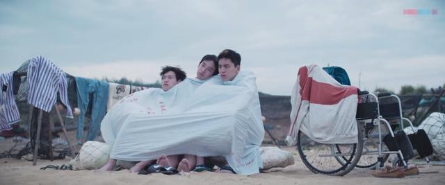 看《小小的愿望》圆梦三兄弟认真营业的样子,嗑到了中二直男的糖