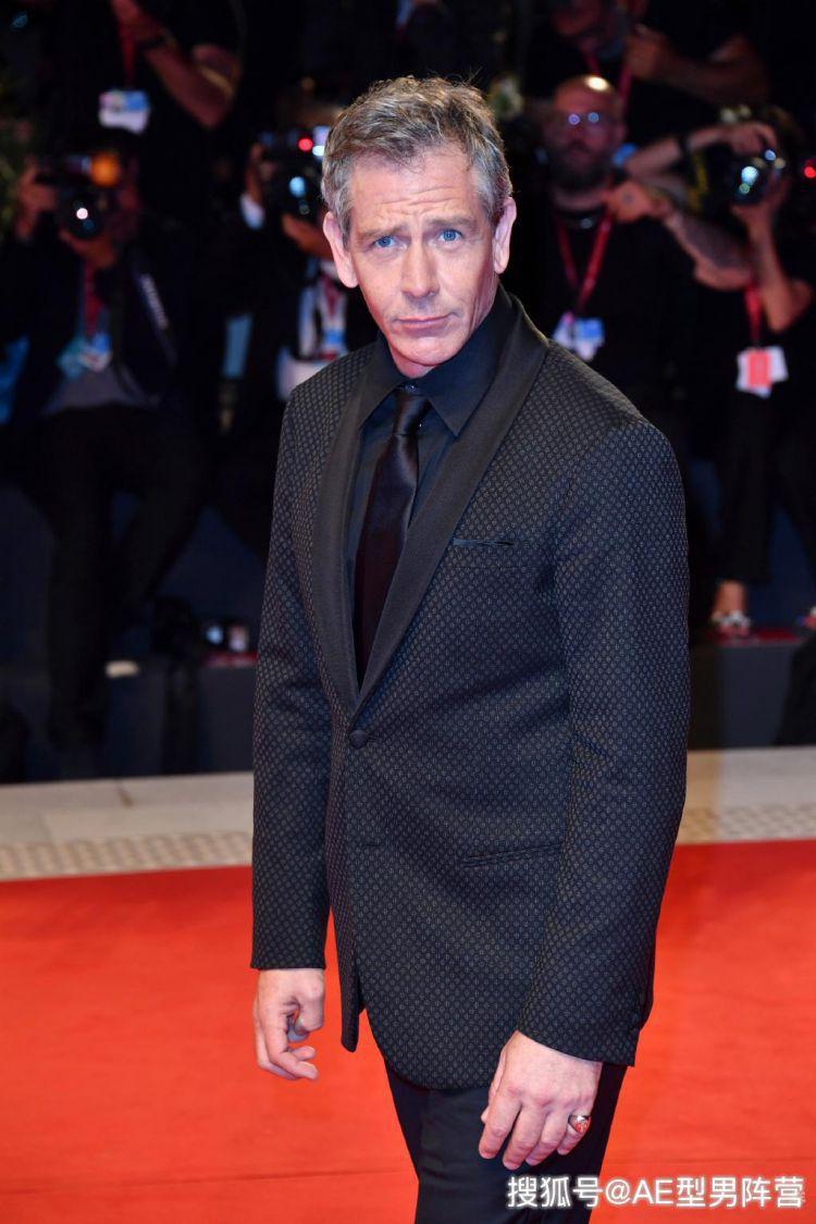 50岁本·门德尔森现身电影节!好莱坞重磅反派演员,气场超强大