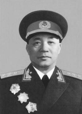 先后当过三个兵团的司令员,这一年,他一人被授予开国上将