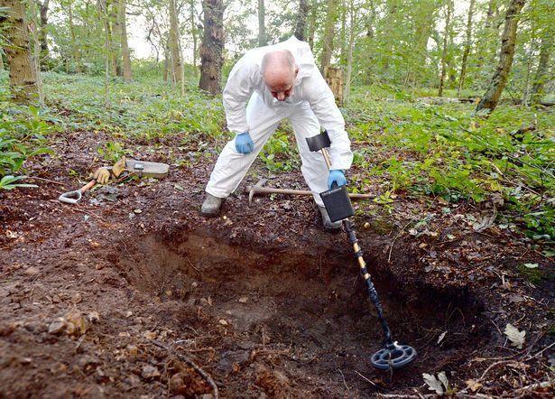 凶手拒不交代藏尸地点,这个英国母亲30年来苦苦寻找女儿遗体下落