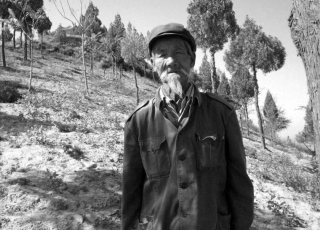 解战战争时期,这位老人救下了一万名战士,副司令记了他一辈子!