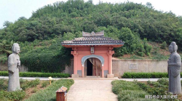 """浙江有一块无名""""皇帝墓"""",千年来专人守墓,2008年才被查出是谁"""