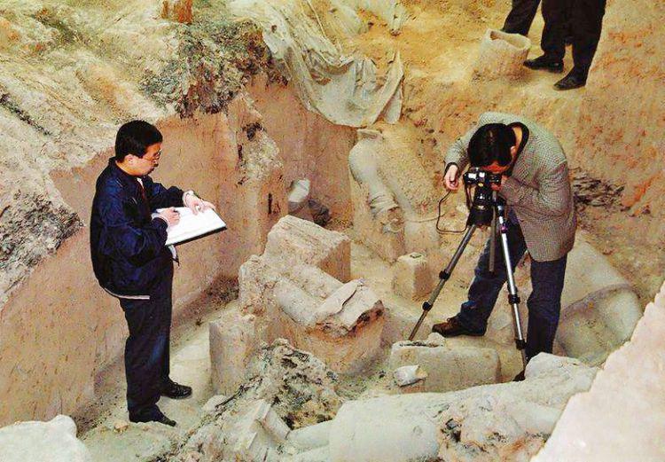 """考古专家发现不能""""碰""""的文物,一碰就消失,仅留下一张照片"""