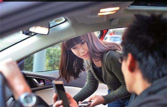 司机口述:载了一个女乘客,途中她忽然在车里嚎啕大哭。