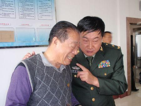 珍宝岛战斗英雄,一生大起大落,33岁官至副司令,42岁转业副厂长