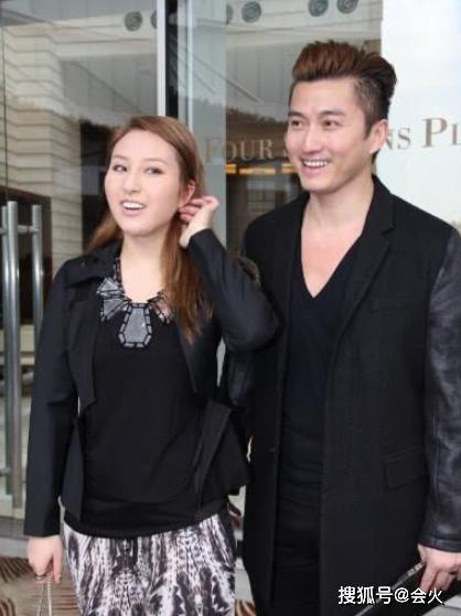 44岁陈山聪得子,为赌王千金抛弃10年发妻,如今和圈外人低调相爱