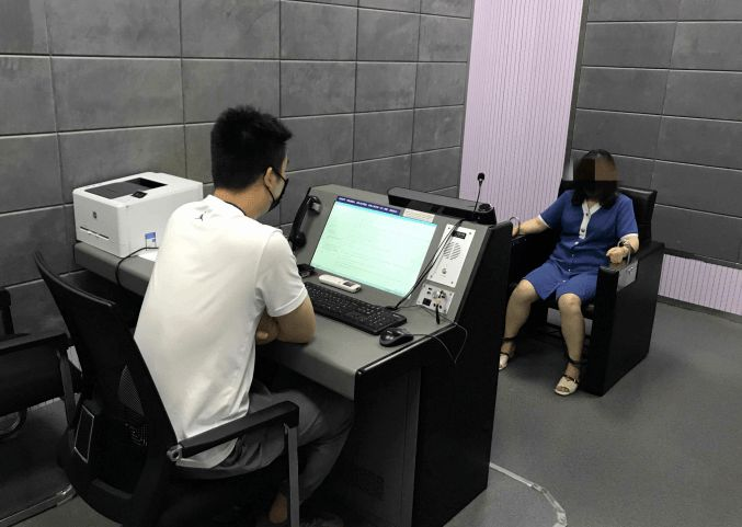 杭州姑娘卖高仿奢侈品被抓:6年卖3千万,香奈儿最低50元