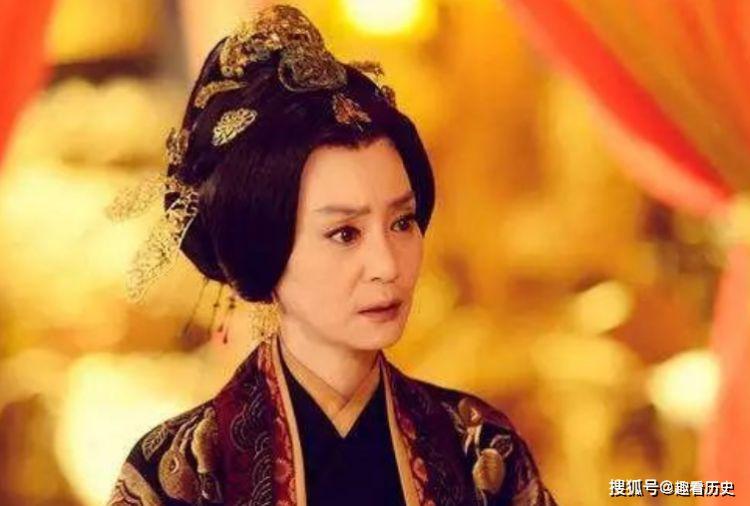 她本是贵族小姐,却嫁给一位穷小子,后代出现4位皇帝2位皇后