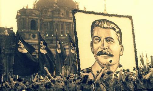 冷战时东德为何修柏林墙,让反对分子跑走不更好?我们想简单了!