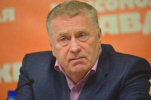 梅德韦杰夫:政治道路上机遇和贵人共存,却和普京关系扑朔迷离