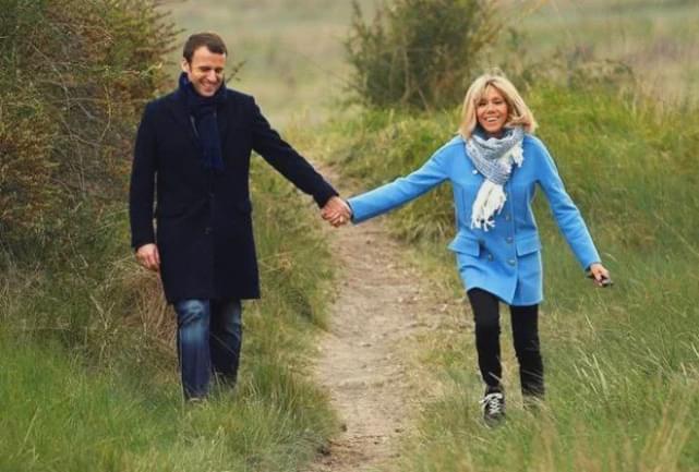 马克龙苦恋12年,迎娶年长25岁的老婆,为何却逆袭成法国总统