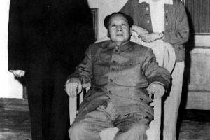 毛泽东周恩来的亲情观