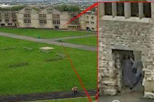 游客在英国城堡拍摄到灰夫人