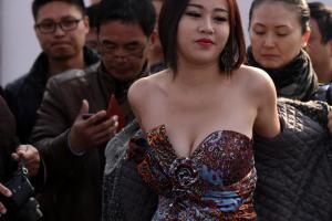 中国第一胸模 大晒34F巨乳