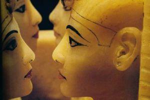 [图文]埃及古代法老王阴阳同体长有神秘女性体型