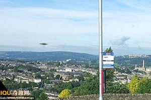 [图文]英国西约克郡上空发现UFO盘旋