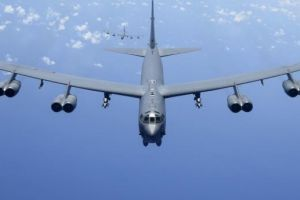 两架B-52再次闯入南海,直接穿越南沙群岛!小心有来无回!