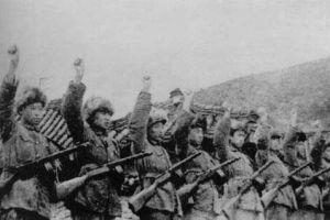 朝鲜战争时志愿军拿什么充饥?一把炒面一把雪