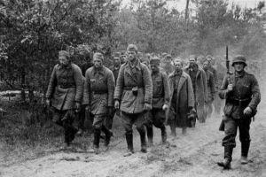 战争初期苏军为何不能用空间换时间?因为这一点,苏军只能死扛!