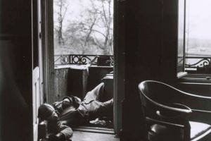 一张震撼的死亡照片:二战结束前,这个美国士兵被德军狙击手射杀