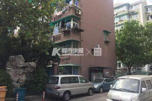 """一共150个车位,300名业主要停!杭州老小区的业主被逼到自己""""开发""""了一个停车场……"""