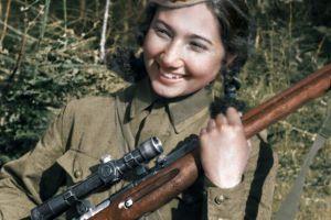 战地之花——从民族舞演员成长为西北方面军最好的狙击手