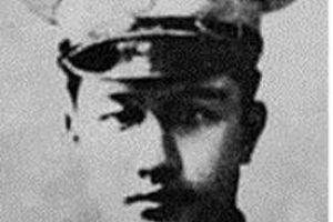 他是三湾改编后的副团长,为井冈山根据地立下汗马功劳,可惜早逝
