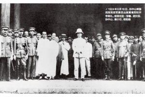黄埔军校名将众多,但是能够配得上千古名将称号的将领,只有一人