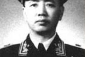 他没有前线带兵的经历,直接被任命为旅政委,后成正国级上将