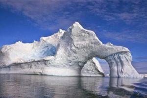 """南极冰下,发现500米长的神秘""""宇宙飞船""""!是外星人基地吗"""