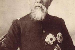 日本天皇在二战前有没有被架空,到底有没有实权