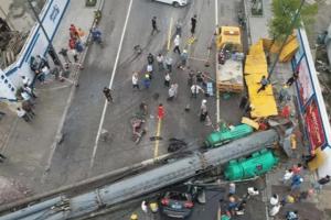 宁波一董事长接海归女儿回家,被倒塌的打桩机砸扁,双双身亡!