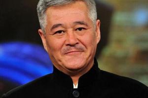 2013年春晚后台,哈文指着赵本山鼻子怒呛:有本事你别登春晚!