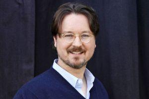 里夫斯与林德洛夫创作《人类的条件》,该片采用《守望者》的阵容