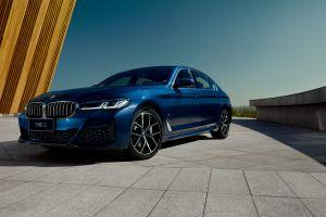 运动豪华当仁不让,创新科技不断加持,尽在新BMW5系